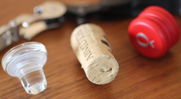 Der Weinkorken - 8 Irrtümer und stirbt der klassische Weinflaschenverschluss wirklich aus ?