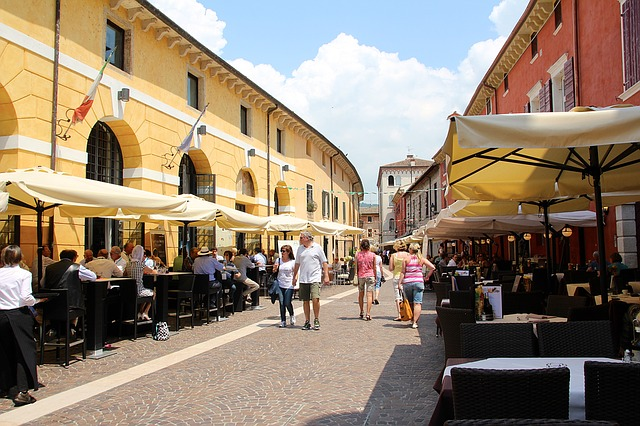 Einkaufen und Essen in Bardolino